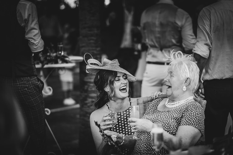 fotografo-matrimonio-ravello-momenti-spontanei-ricevimento-francesco-ferrarini