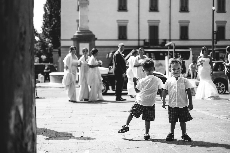 fotografo-matrimonio-sassuolo-arrivo-sposa-bambini