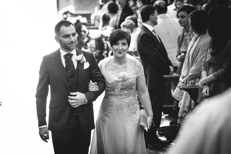 matrimonio-chiesa-sassuolo-ingresso-sposo