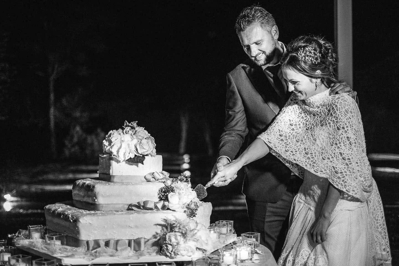 Fotografo-matrimoni-Villa-Cattania-taglio-torta-Francesco-Ferrarini-Studio