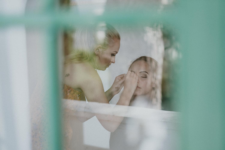 bride-bridemaids-getting-ready-matrimonio-villa-eva-ravello-francesco-ferrarini