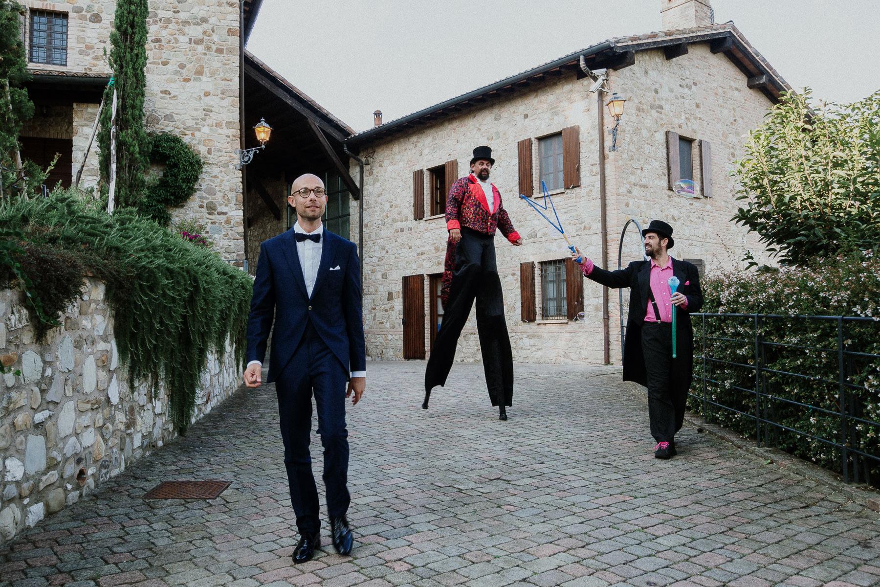 fotografo-matrimonio-monte-gesso-arrivo-sposo-francesco-ferrarini