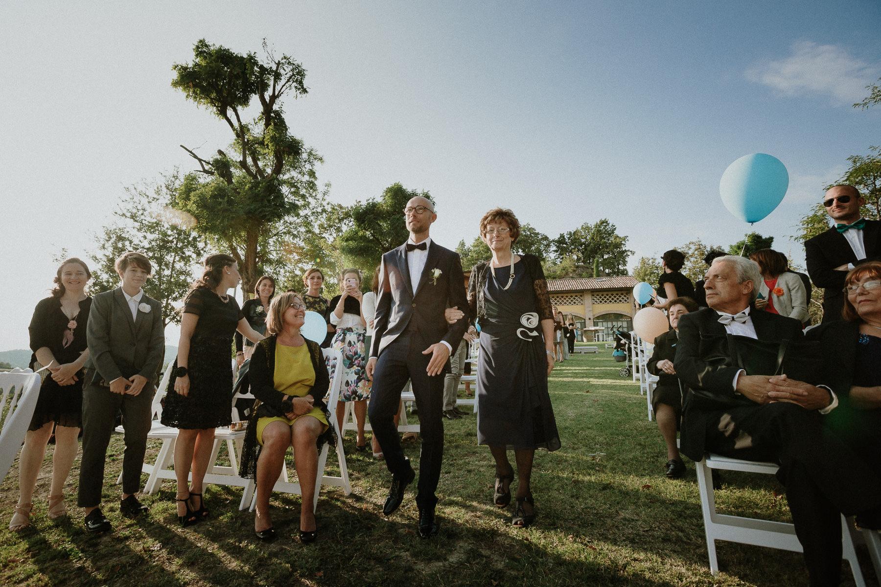 fotografo-matrimonio-monte-gesso-cerimonia-civile-sposo-francesco-ferrarini